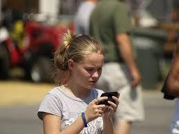 kid texting